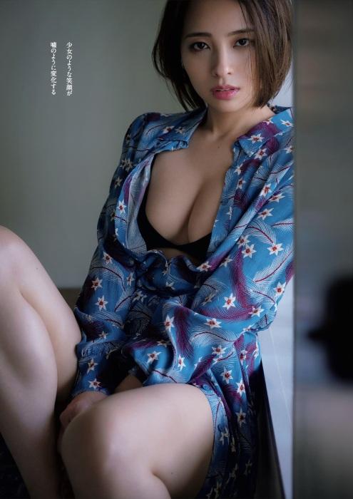 水崎綾女のセクシーグラビアエロ画像003