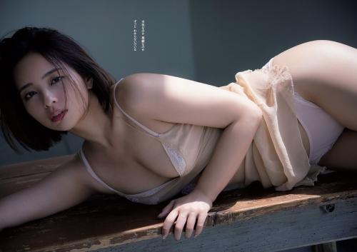 水崎綾女のセクシーグラビアエロ画像004