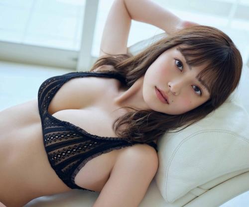 櫻井音乃のハミ乳おっぱい水着グラビアエロ画像009