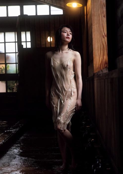 葉月つばさの乳首透けヌードグラビアエロ画像009