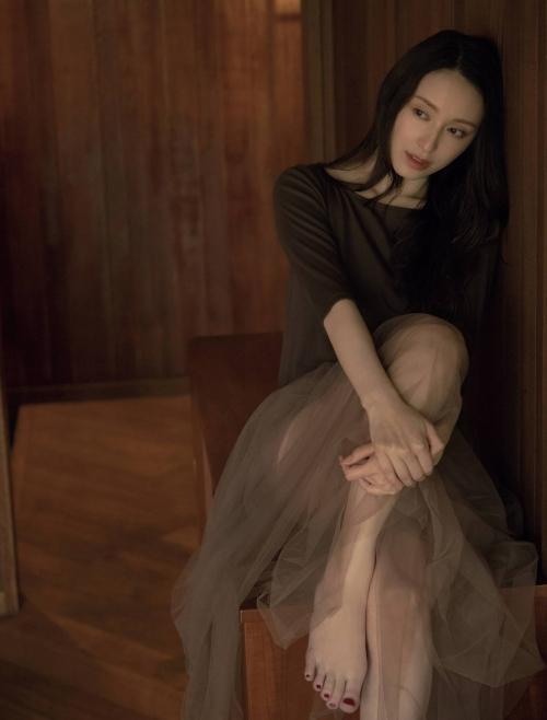栗山千明の最新のセクシー妖艶グラビアエロ画像005