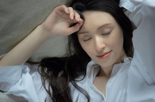 栗山千明の最新のセクシー妖艶グラビアエロ画像009