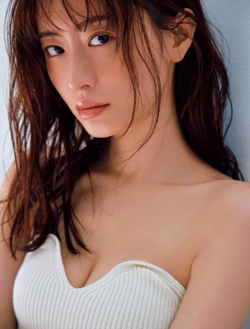 松本まりかの胸チラセクシーグラビアエロ画像009