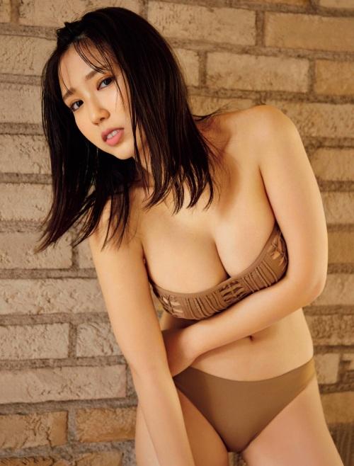 沢口愛華のセクシー水着グラビアエロ画像007
