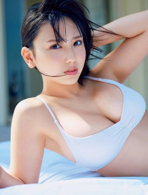 沢口愛華のセクシー水着グラビアエロ画像009