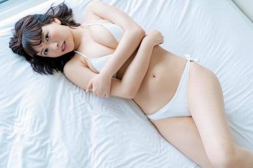鈴木聖の水着グラビアエロ画像009