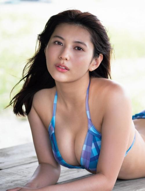 新井遥のファースト写真集グラビアエロ画像002