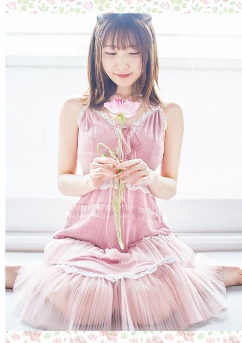 日高里菜の胸チラセクシーグラビアエロ画像005