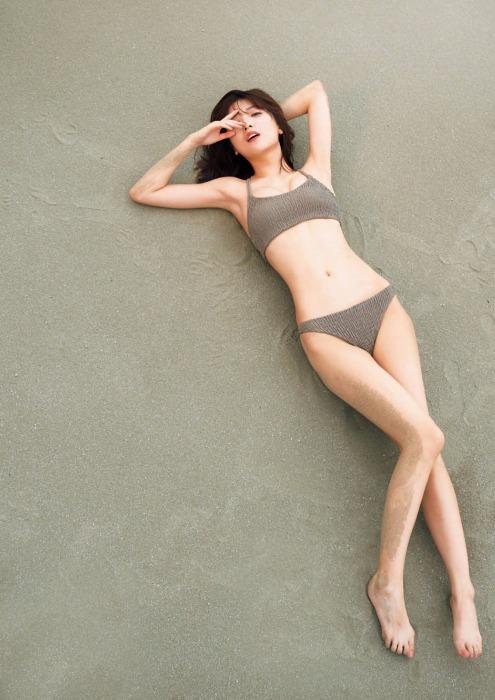 工藤美桜のセクシーな水着グラビアエロ画像004