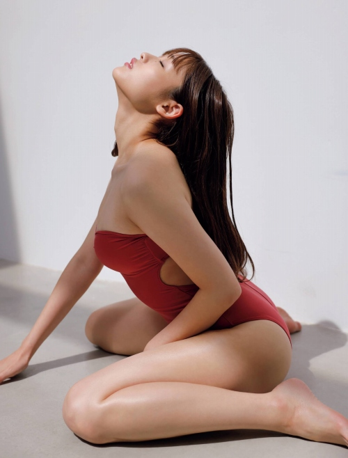 石田桃香のセクシーグラビアエロ画像005