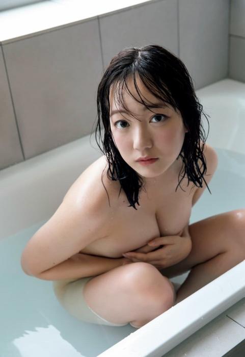 京佳の初ヌードグラビアエロ画像010