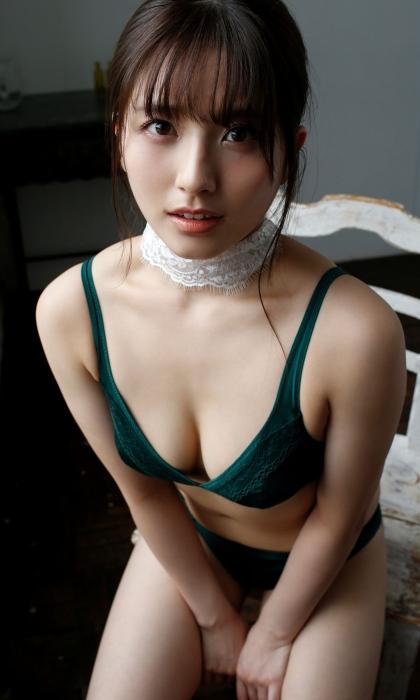 大和田南那のセクシーグラビアエロ 画像012