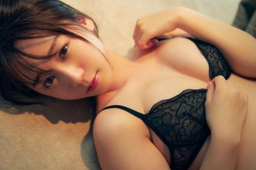 伊織もえのセカンド写真集のセクシーグラビアエロ画像008