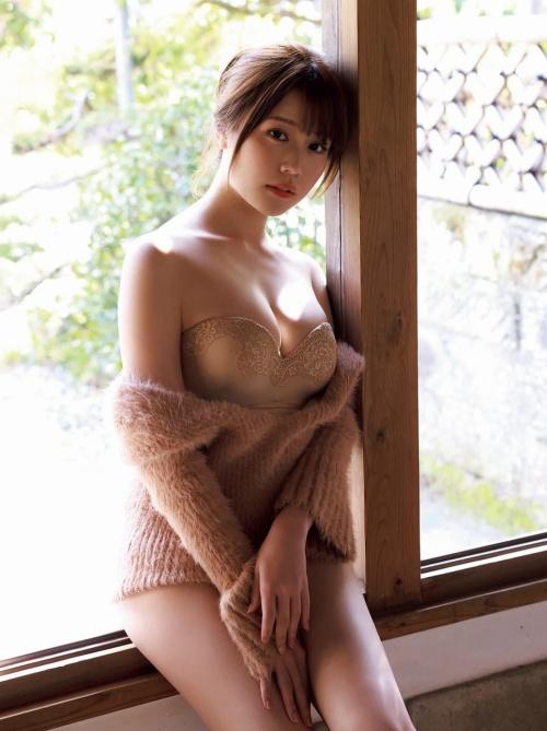 小日向ゆかのセクシーグラビアエロ画像006
