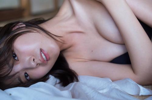 工藤美桜の色気溢れるセクシーグラビアエロ画像005