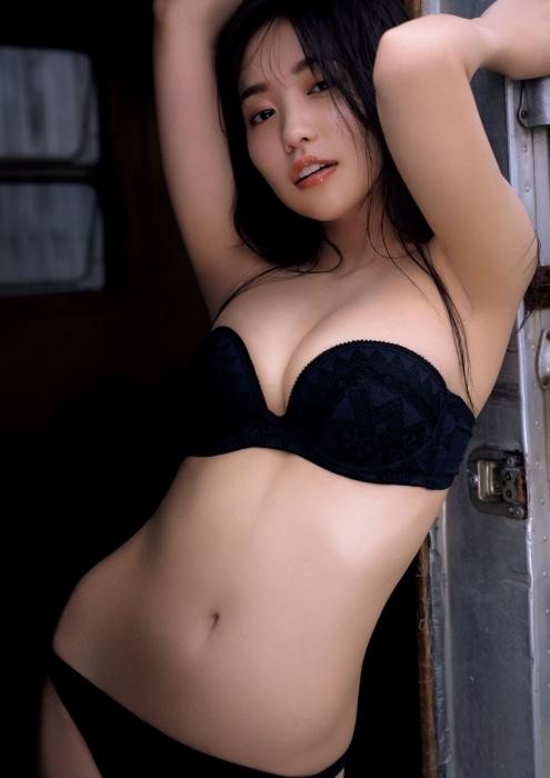 大原優乃の夏らしい水着グラビアエロ画像012