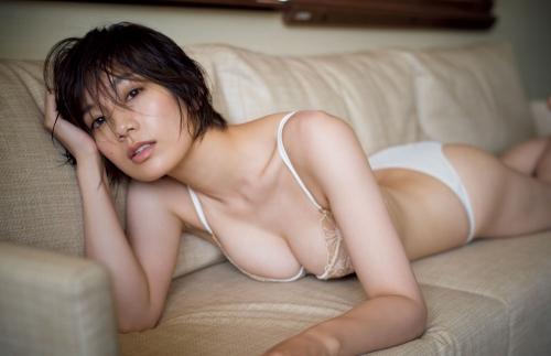 佐藤美希のセクシーグラビアエロ画像005