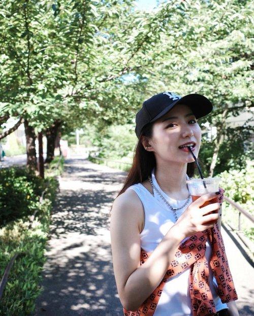 高田里穂のSNS写真エロ画像010