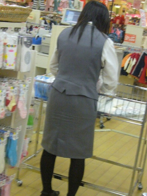【盗撮】働く女は危険が多い★ワーキング女子のパンチラエロ画像 m9(`・ω・´)・11枚目の画像