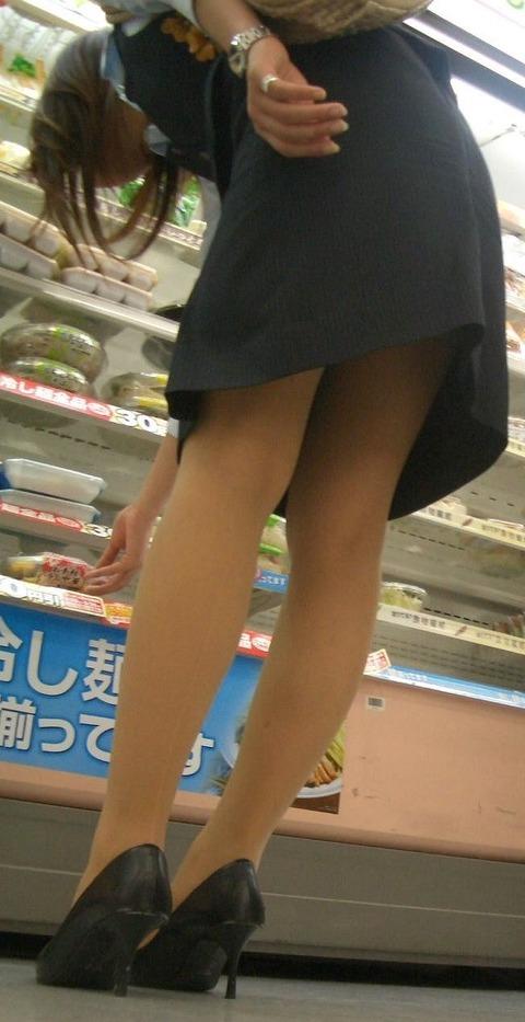 【盗撮】働く女は危険が多い★ワーキング女子のパンチラエロ画像 m9(`・ω・´)・31枚目の画像