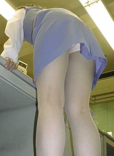 【盗撮】働く女は危険が多い★ワーキング女子のパンチラエロ画像 m9(`・ω・´)・13枚目の画像