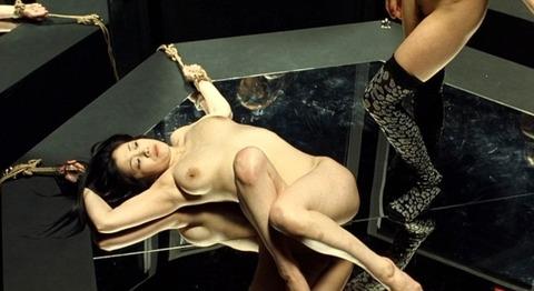 小向美奈子の吊るし上げ★AVに出る前の過激な貝合わせ・おっぱいエロ画像(`・ω・´)・4枚目の画像