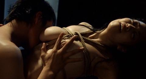 小向美奈子の吊るし上げ★AVに出る前の過激な貝合わせ・おっぱいエロ画像(`・ω・´)・19枚目の画像