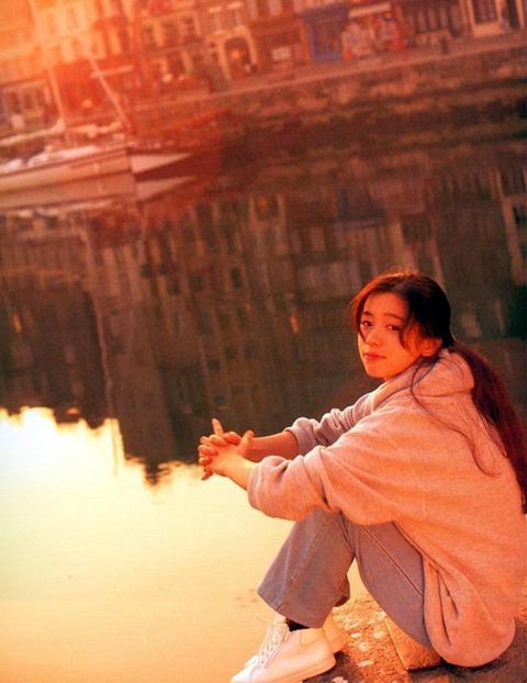 裕木奈江のフルヌード画像★生乳首と懐かしの超かわな画像。がしかし…抜けるとは言い切れないwww・27枚目の画像