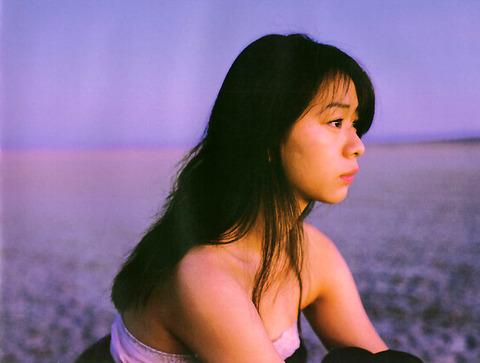 裕木奈江のフルヌード画像★生乳首と懐かしの超かわな画像。がしかし…抜けるとは言い切れないwww・18枚目の画像