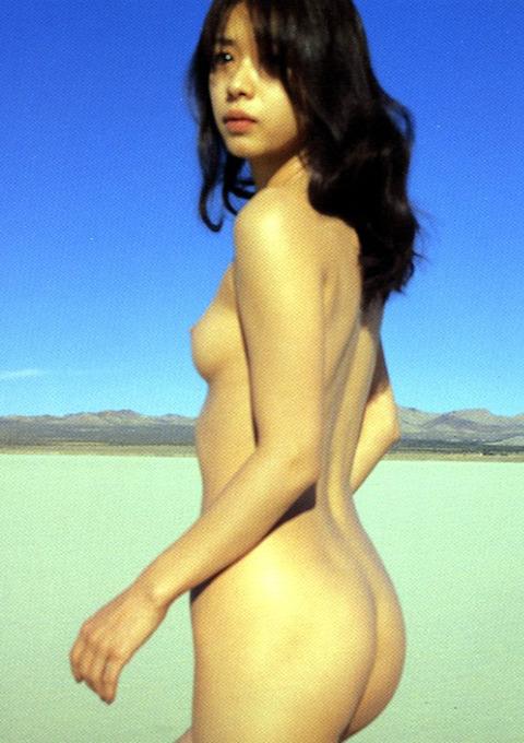 裕木奈江のフルヌード画像★生乳首と懐かしの超かわな画像。がしかし…抜けるとは言い切れないwww・1枚目の画像