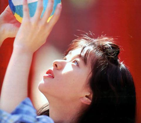 裕木奈江のフルヌード画像★生乳首と懐かしの超かわな画像。がしかし…抜けるとは言い切れないwww・2枚目の画像