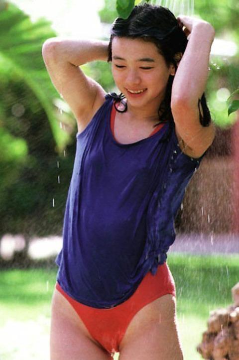 裕木奈江のフルヌード画像★生乳首と懐かしの超かわな画像。がしかし…抜けるとは言い切れないwww・31枚目の画像