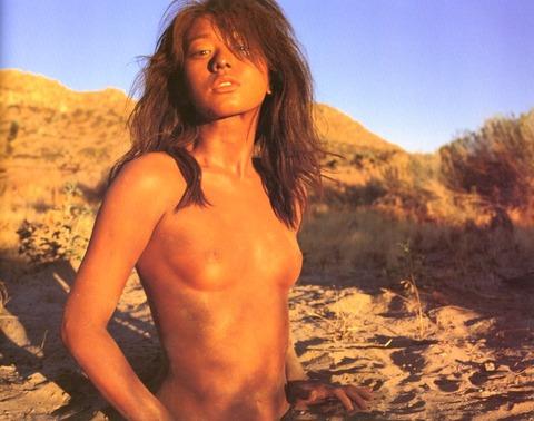 裕木奈江のフルヌード画像★生乳首と懐かしの超かわな画像。がしかし…抜けるとは言い切れないwww・28枚目の画像