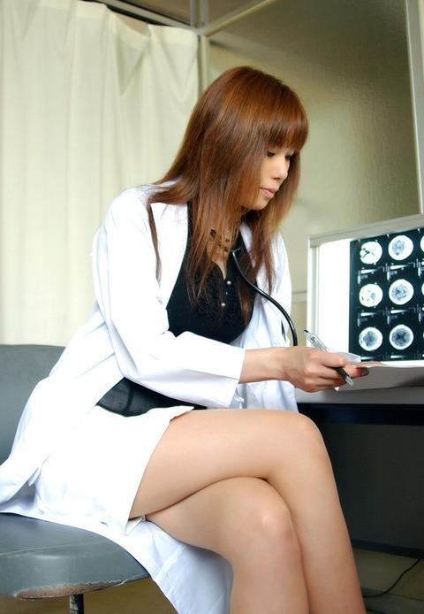 女医画像★患者の病気よりエロい事を優先する女医たちwwwww・15枚目の画像