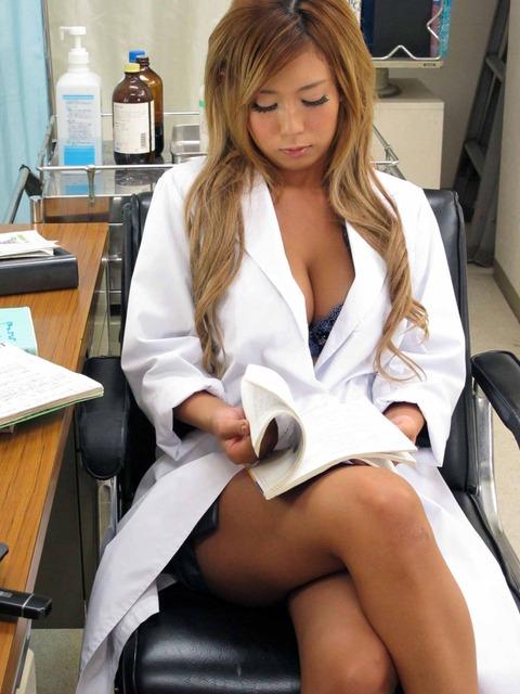 女医画像★患者の病気よりエロい事を優先する女医たちwwwww・1枚目の画像