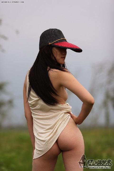 中国人画像★ヌードはエロいんだが、撮られ慣れしてなさ過ぎでワロタwwww・34枚目の画像