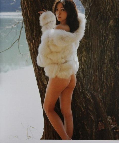 岩佐真悠子の正面から見た本物のおっぱい見たことある?岩佐真悠子フルヌード・セックスシーン・セミヌード画像・21枚目の画像