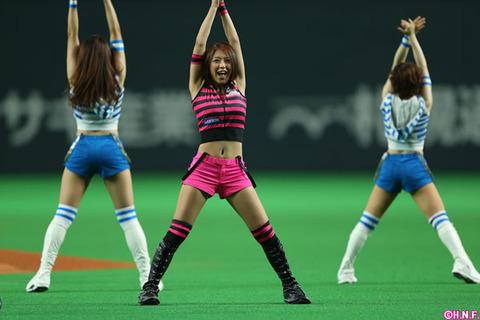 チアガール画像★日本シリーズも終わったし今年頑張ったプロ野球のチアガールのヘソ出し、また開きエロ画像wwwww・4枚目の画像