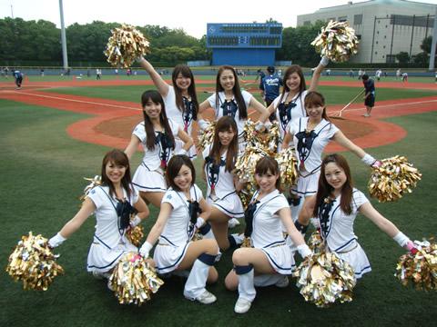 チアガール画像★日本シリーズも終わったし今年頑張ったプロ野球のチアガールのヘソ出し、また開きエロ画像wwwww・9枚目の画像