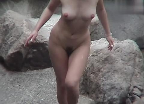 盗撮でしか見れない露天風呂の素の入浴wwww★素人盗撮エロ画像・30枚目の画像