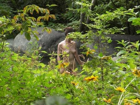 盗撮でしか見れない露天風呂の素の入浴wwww★素人盗撮エロ画像・18枚目の画像