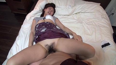 寝取られた夫が妻のセックスを盗撮。その後抜いたwwwww★素人セックスエロ画像・16枚目の画像