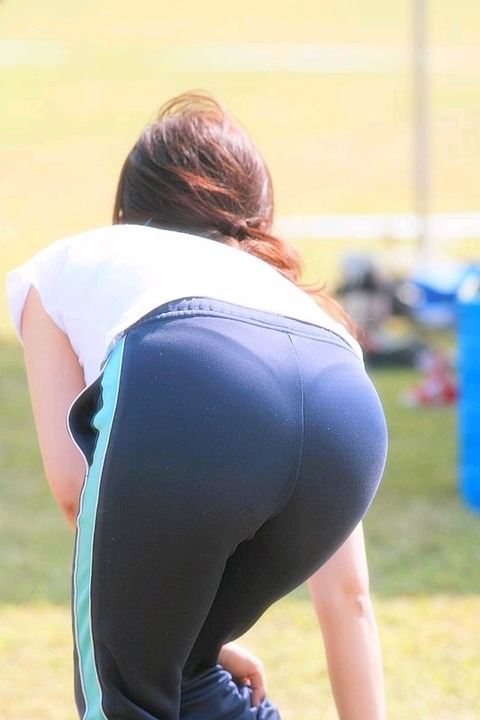 運動中の女の下半身がエロいwwwww★素人スパッツ・ジャージエロ画像・17枚目の画像