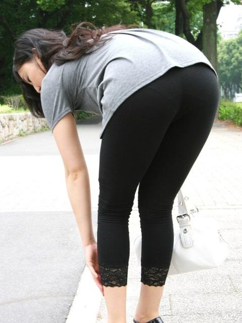 運動中の女の下半身がエロいwwwww★素人スパッツ・ジャージエロ画像・4枚目の画像