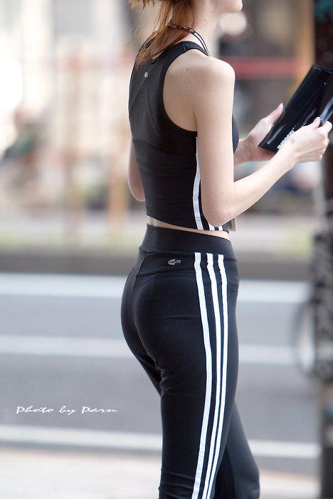 運動中の女の下半身がエロいwwwww★素人スパッツ・ジャージエロ画像・18枚目の画像