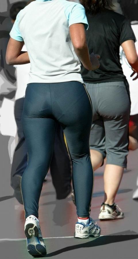 運動中の女の下半身がエロいwwwww★素人スパッツ・ジャージエロ画像・9枚目の画像