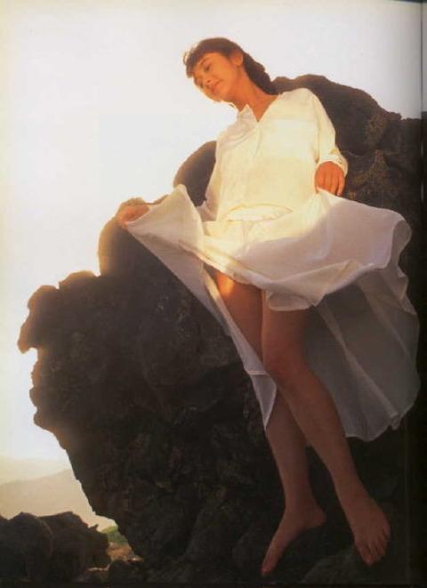 斉藤慶子さんのヌード★生おっぱいが妙にエロいwwww★芸能お宝エロ画像・25枚目の画像