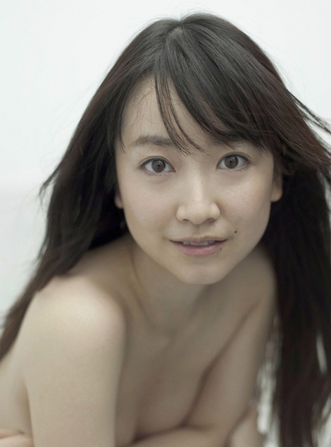 黒川智花さんのノーブラセミヌード画像を39枚ほど見繕ったのでご覧くださいwwwww・9枚目の画像