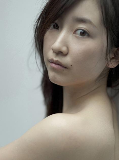 黒川智花さんのノーブラセミヌード画像を39枚ほど見繕ったのでご覧くださいwwwww・7枚目の画像
