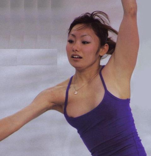 芸能人・女子アナ・歌手のtkbまで露出しちゃったハプニング画像wwww★芸能お宝エロ画像・27枚目の画像